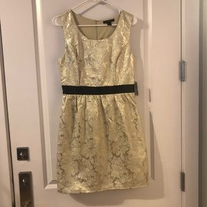 Shimmery floral dress. Perfect for the holidays